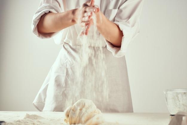 Замес теста мука приготовление выпечка приготовление кухня