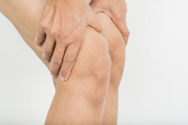 Knee pain in woman