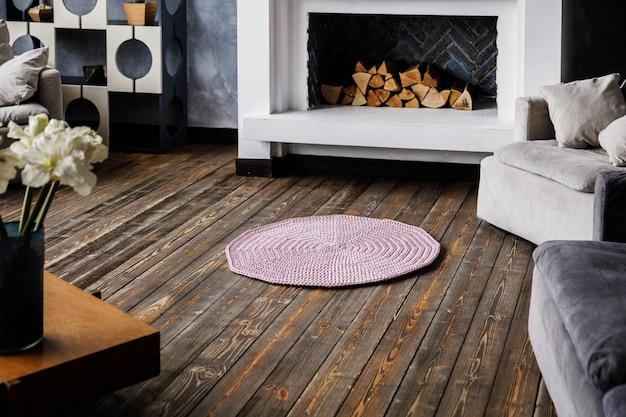 현대 거실에 니트 카펫