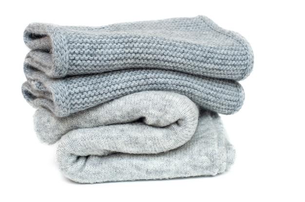 Вязаные зимние серые шарфы