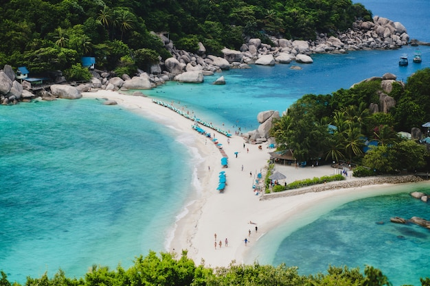Koh nang yuan island, paradise beach in thailand Premium Photo