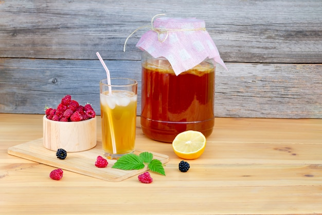Kombucha is a natural fermented drink originally from china, which contains many probiotics, amino acids and various vitamins that are beneficial to health.