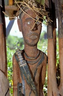 Konso waka statue