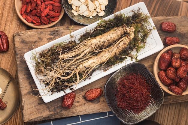 韓国の漢方薬:新鮮な高麗人参
