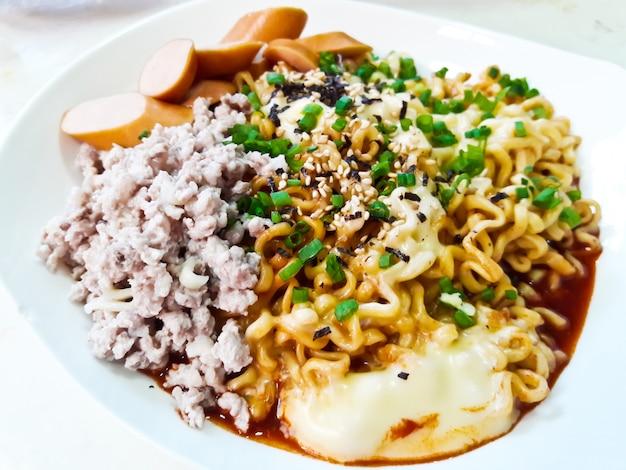 Korean noodles (ramyun)