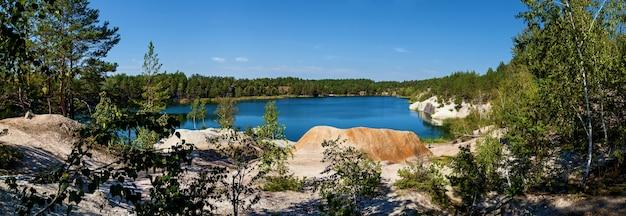 コロスティシェフスキー採石場はコロスティシェフ市の郊外にある花崗岩採石場に氾濫しました