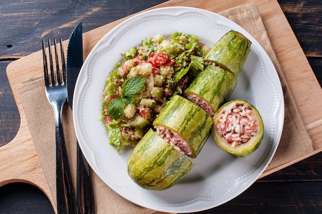Kousa mahshi-쌀과 고기로 채워진 호박