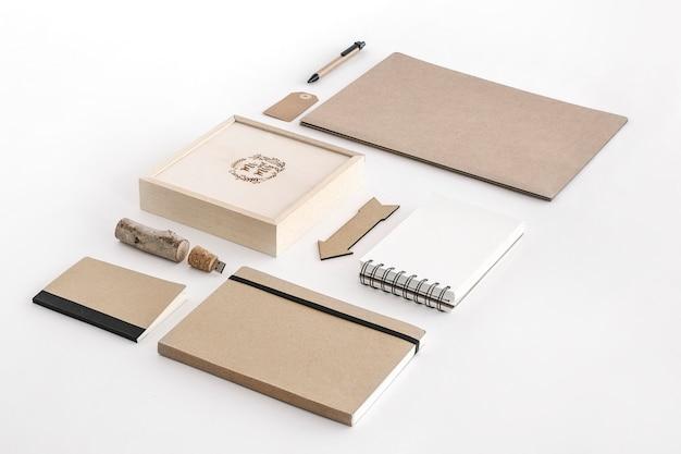 Крафт-бумага канцелярские принадлежности