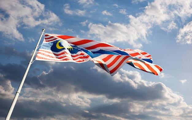 Флаг города куала-лумпур развевается на ветру на фоне голубого облачного неба с низким углом крупным планом