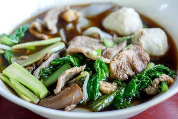 Kuay tiew тайский суп с лапшой
