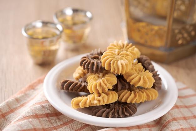 Куэ сагу кэджу, куэ тамбанг и куэ семприт. печенье для лебарана идул фитри ид мубарак