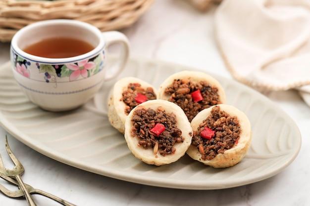 Kue talam oncom традиционный торт на пару из индонезии с начинкой oncom