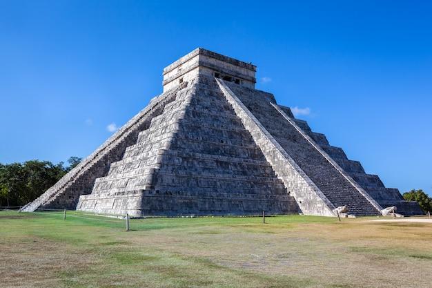 Кукульканская пирамида чичен-ица