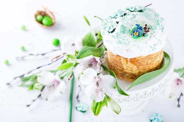伝統的なイースターケーキ。ホリデーkulich