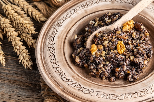 Кутья, пшеница традиционное рождественское церемониальное зерновое блюдо. баннер, меню, рецепт место для текста