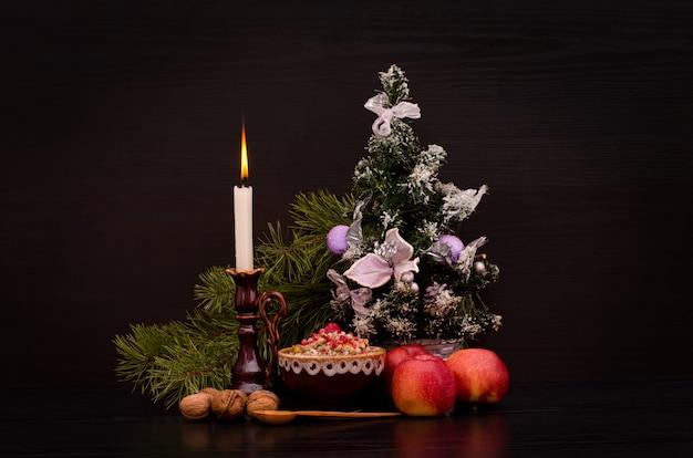 クリスマスkutia伝統的なスラブの甘い料理。