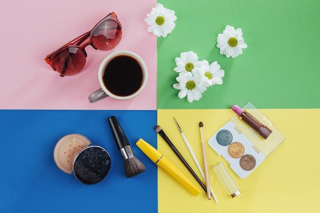 化粧品kvitomy白と色のコーヒー