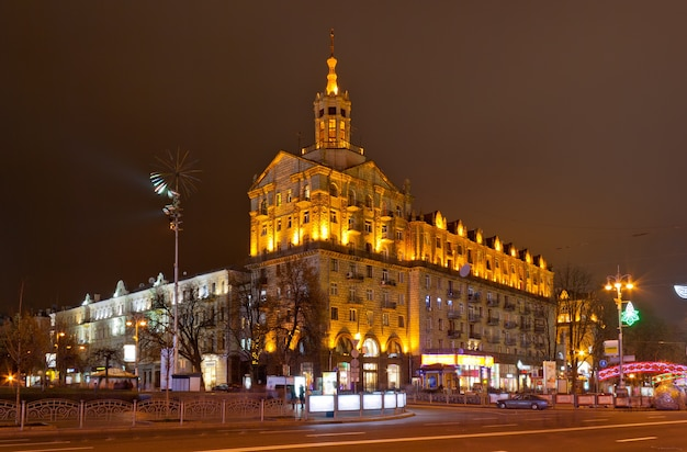 Kyiv city center at night khreshchatyk street