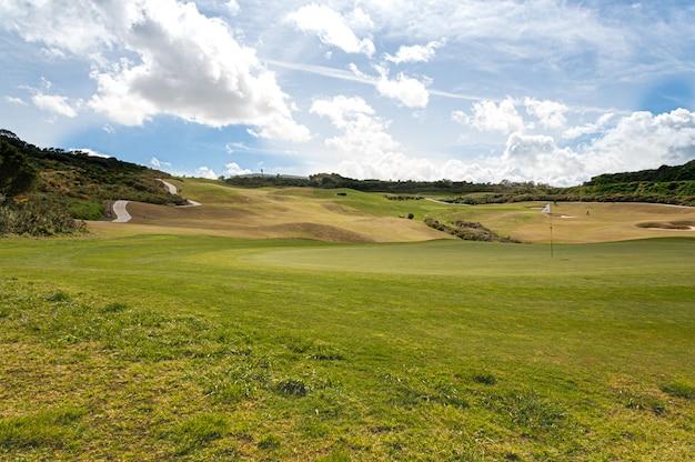 スペイン南部のla alcaidesaゴルフとリンク