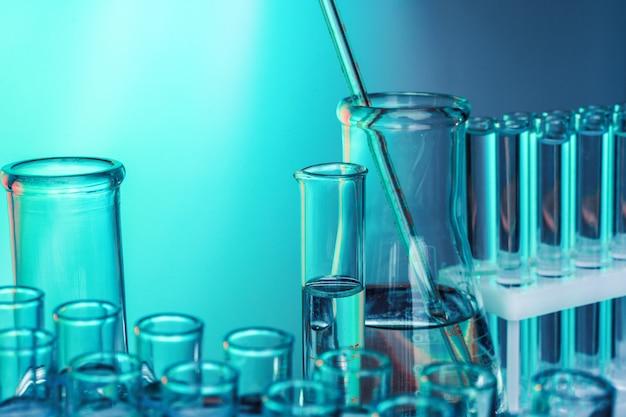 Laboratory chemistry glassware
