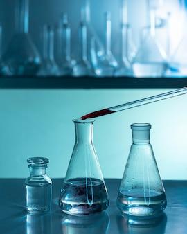 Laboratory glassware arrangement