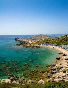 Пляж ладико в фалираки, родос, греция
