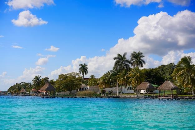 Laguna de bacalar lagoon in mayan mexico