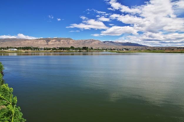 Laguna nimezreservaがアルゼンチンのパタゴニアにあるelcalafateを閉鎖
