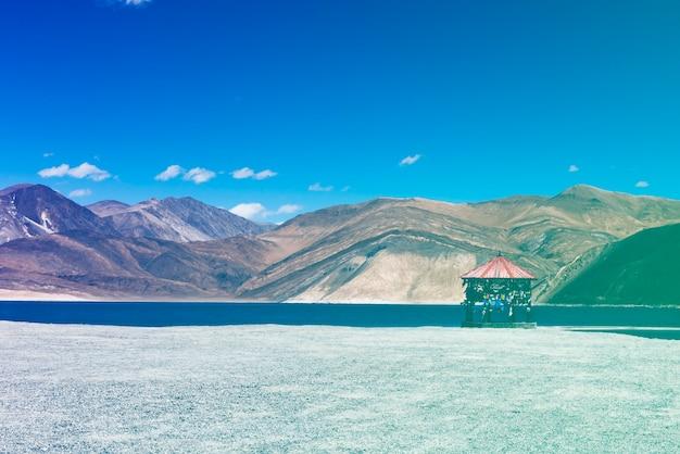 Индийский туристический объект lake mountain landscape