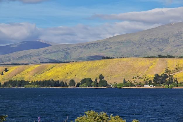 ニュージーランドの南島の湖