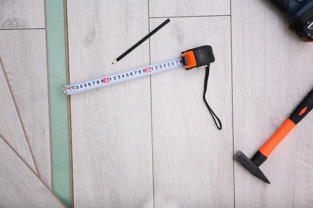 Оборудование для установки ламината на доски