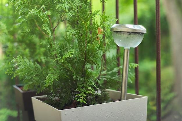 빗방울이있는 테라스의 램프, 태양열 정원 램프