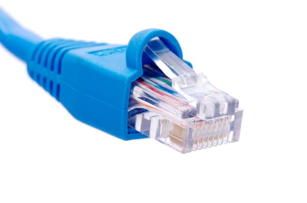 Сетевой кабель и разъем