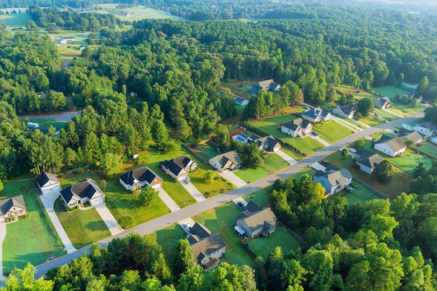 ランドスケープボイリングスプリングスタウンアメリカサウスカロライナ州の高さのあるアメリカの小さな町のスリーピングエリア