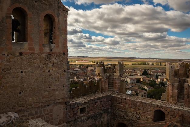 トゥレガノ城の胸壁からの風景。