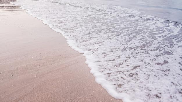 Пейзаж пляжа, краби, таиланд.