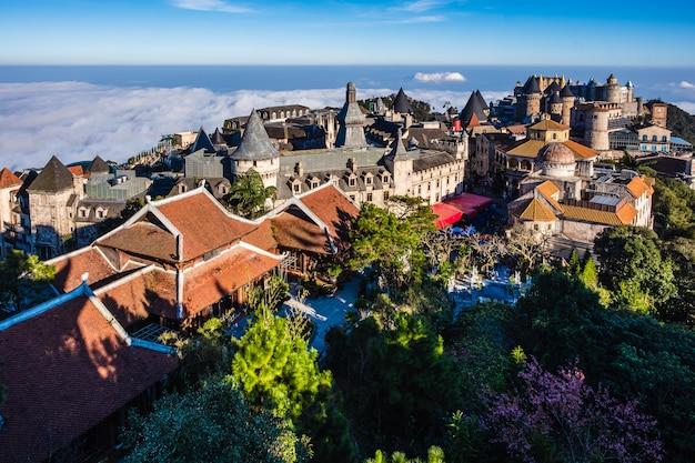 바나 힐스, 다낭, 베트남에서 평면도에서 성곽의 풍경