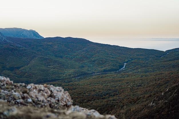 Пейзаж крымских гор в сумерках осенью