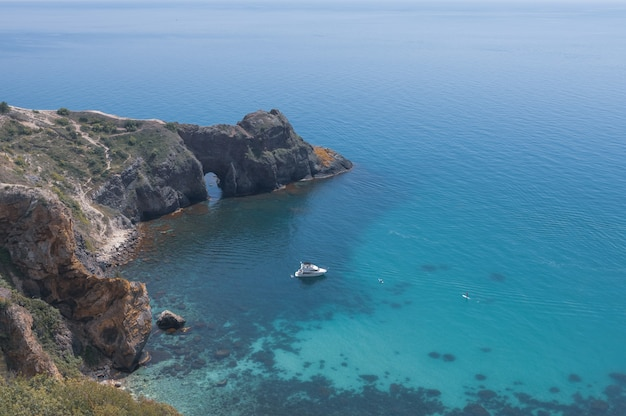 Diana의 grotto crimea의 풍경입니다. 바다 경치.