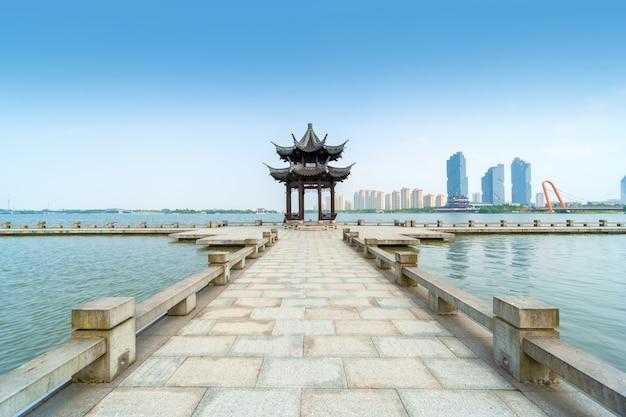Пейзаж озера диданг в шаосине, китай