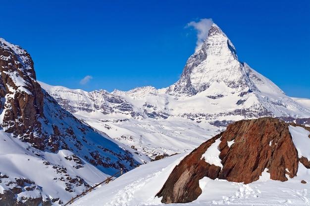 스위스 gornergrat에 위치한 붉은 바위와 마 테 호른 피크의 풍경