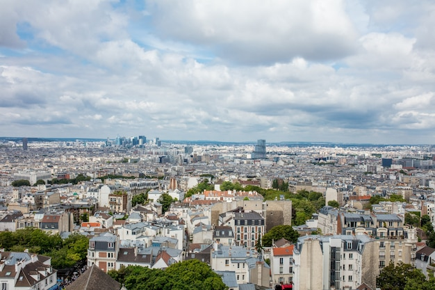 유럽 역사 지구 꼭대기에서 아름다운 전망을 감상할 수 있는 파리의 풍경