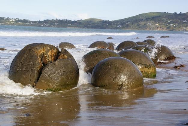 Пейзаж побережья океана новой зеландии.