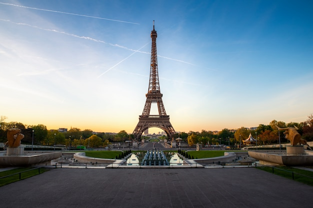 Landscape panoramic view on the eiffel tower and park during the sunny day in paris, france. travel and vacation.