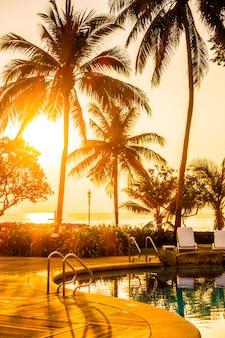 Resort paesaggio piscina vacanza tropicale