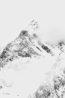 Paesaggio di snow cappedmountain