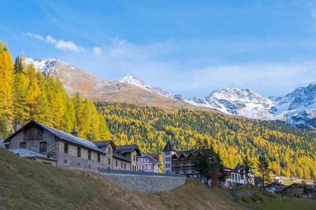 サルデン イタリアの小さな町の風景