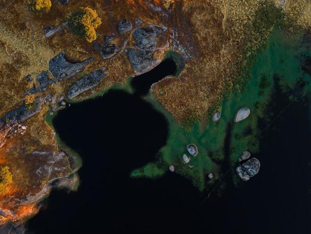 Dehesa de la luz에서 석호가있는 풍경. extremadura. 스페인.