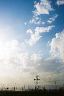 光の塔のある風景