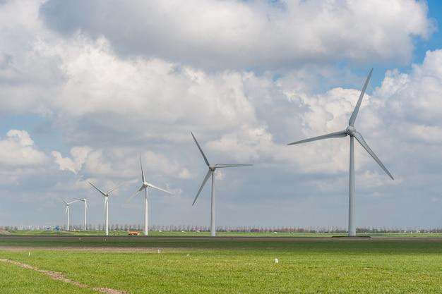 들판에 풍차가있는 풍경, 대체 에너지, 풍력 터빈, 재생 가능 에너지 원